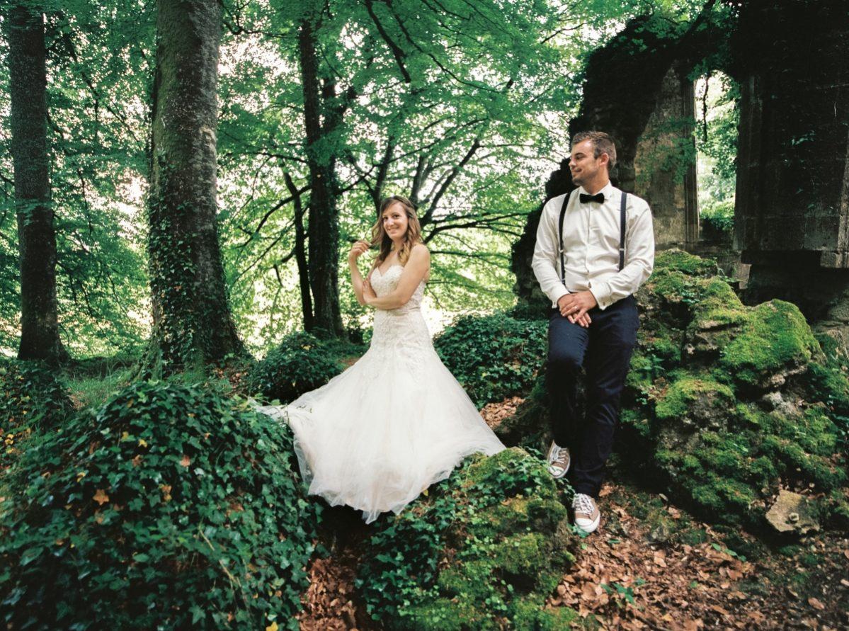 mariés dans la forêt-photo-galerie-argentique-film-wedding-photographer-gregphoto-Paris-france-luxembourg