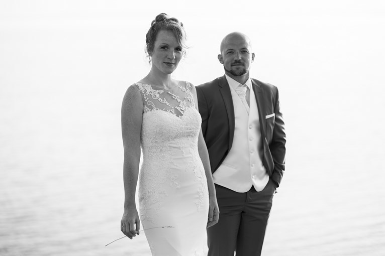Photo-mariage-noir-et-blanc-BretagneFrench wedding photographer