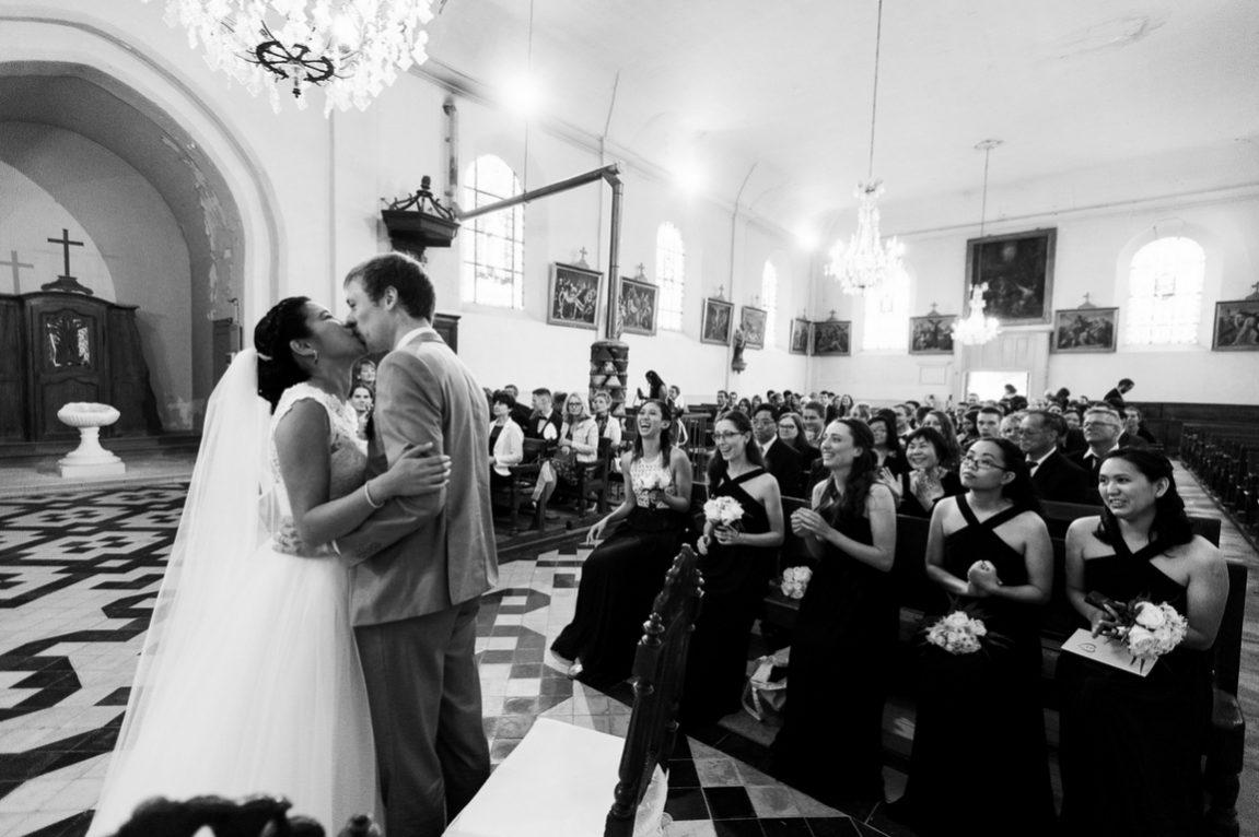 Reportage photo mariage Toul-photographe Chateau de Boucq Lorraine- Mariés à l'église en noirs et blanc www.gregory clement.fr