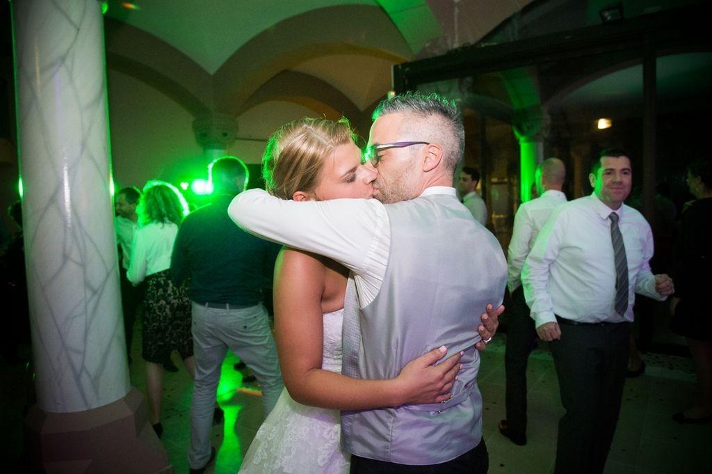 Photographe Moselle Metz Grand Est mariage Danse des mariés lors de la soirée mariage ®gregory clement.fr