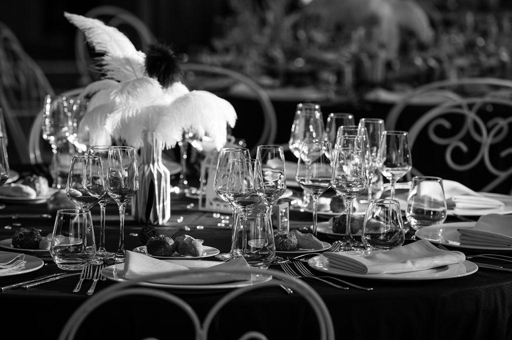 Photographe Moselle Metz Pont a Mousson Décoration table mariage en noir et blanc Feyel Landaville Vosges ®gregory clement.fr