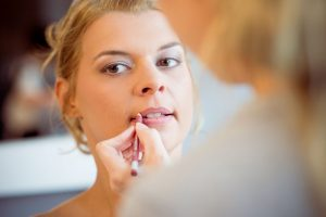 Photographe Toul Grand Est mariage maquillage et preparatifs de la mariée à domicile photographe Meurthe et Moselle mariage ®gregory clement.fr